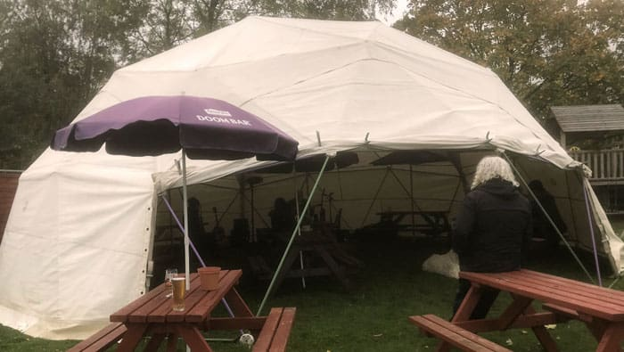 outdoor shelter for pubs restaurants